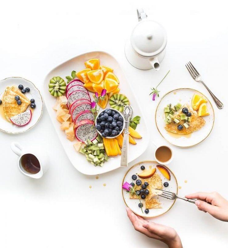 Dieta wegańska o proporcjach 80/10/10 – jadłospis