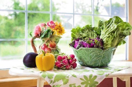 Pożywna i zdrowa sałatka warzywna uniwersalny przepis