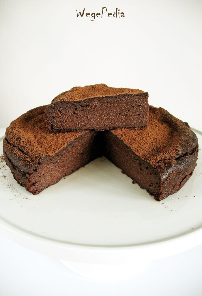 Fit brownie z bananów, kakao i daktyli, 4 składniki