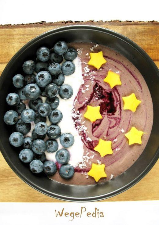 Owsiankowe smoothie bowl z bananem - przepis fit