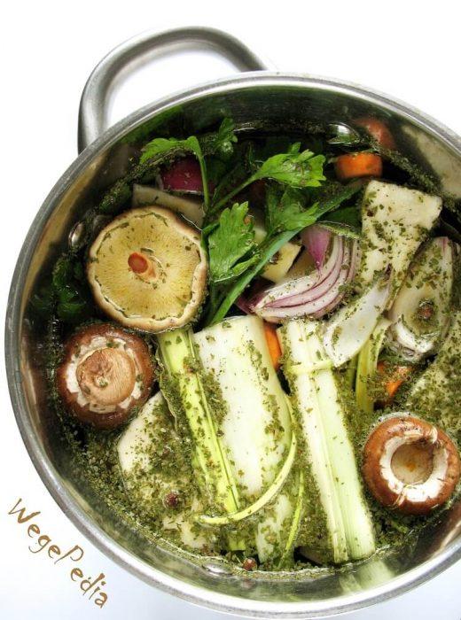 Jak ugotować bulion warzywny fit - wegański prosty przepis