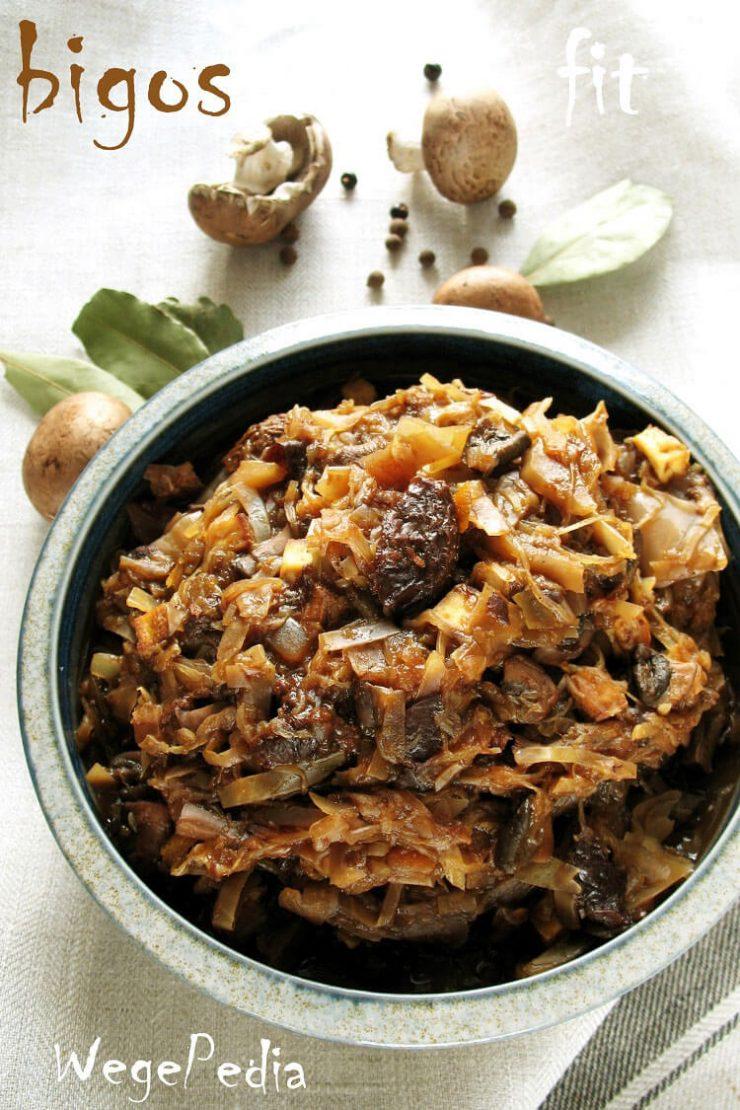 Wegański bigos wigilijny z grzybami i tofu - dietetyczny