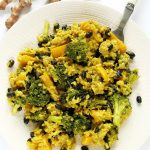 Wegańskie risotto zbrokułami, papryką ifasolą – serowe