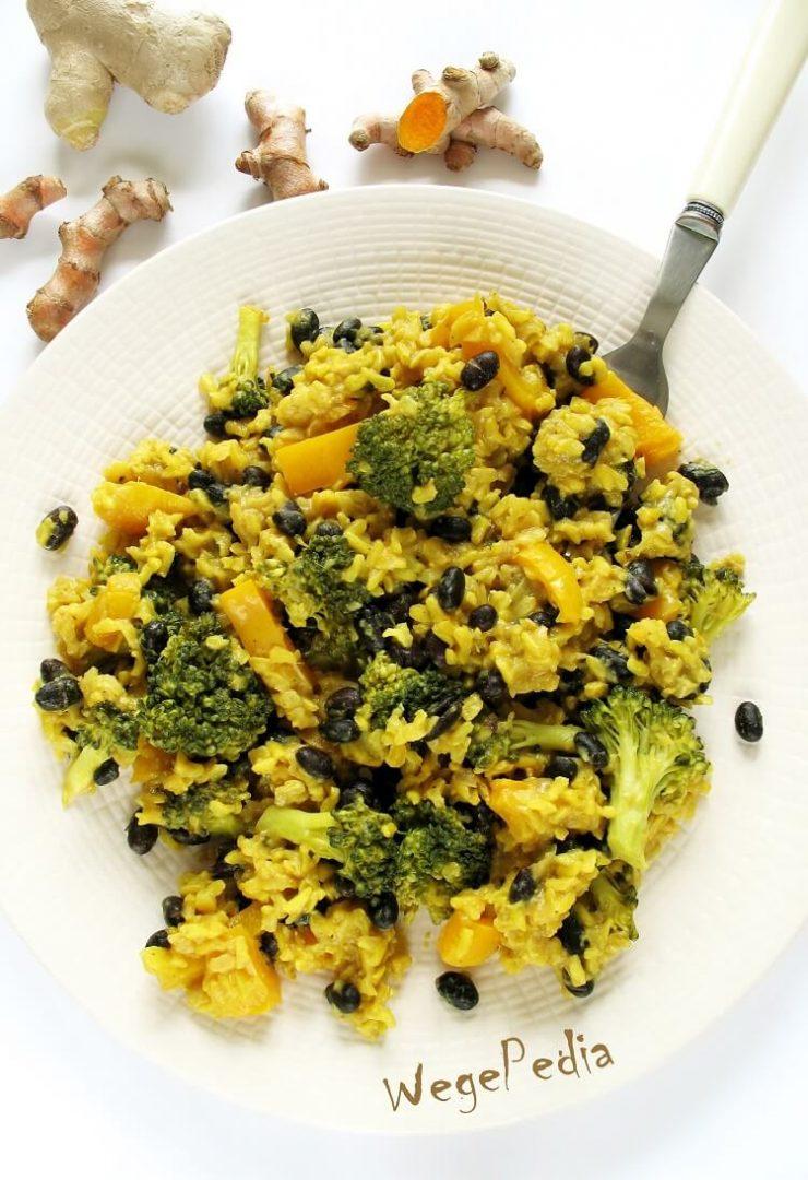 Wegańskie risotto z brokułami, papryką i fasolą - serowe