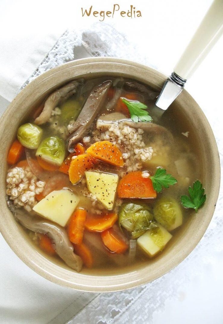 Wegański krupnik z grzybami - bez mięsa, fit