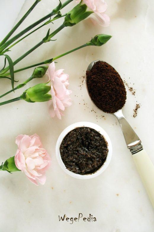 Peeling z fusów kawy do twarzy i ciała - gładka skóra