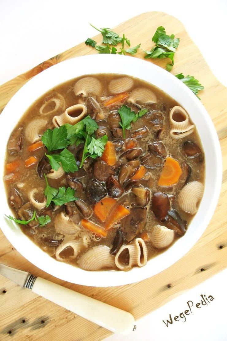 Zupa grzybowa fit ze świeżych grzybów, wegańska