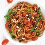 Fit spaghetti jednogarnkowe zpomidorkami ioliwkami