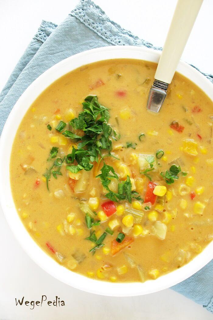 Zupa z kukurydzy, papryki i ziemniaków
