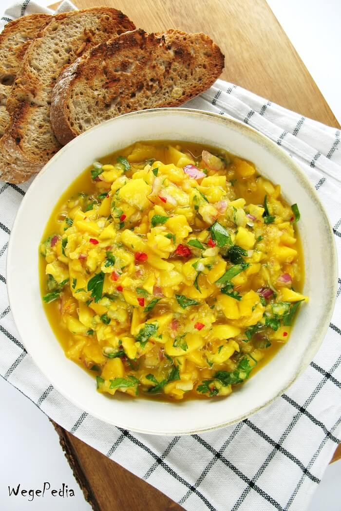 Salsa z mango, pietruszki lub kolendry i chili, prosty przepis